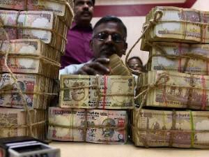 नोटबंदी: नदी में बहते मिले 3.5 करोड़ कीमत के 1000-500 के नोट
