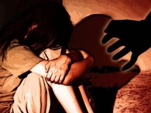बिहार: बाप-बेटी का रिश्ता शर्मसार, पति की घिनौनी करतूत देखती रही मां