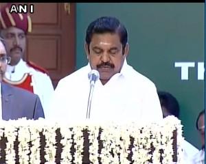 इडापड्डी पलानीसामी बने तमिलनाडु के मुख्यमंत्री, 30 अन्य बने मंत्री