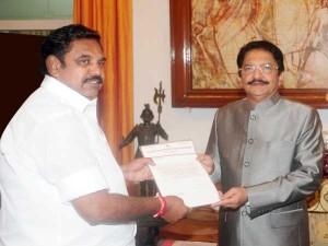 पलानीसामी ने की तमिलनाडु के राज्यपाल से मुलाकात, सरकार बनाने का दावा