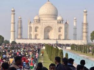 ताजमहल की वजह से नहीं हो रही 2000 लड़के-लड़कियों की शादी, सीएम से भी कर चुके शिकायत