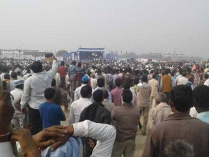 वाराणसी से चुनावी रिपोर्ट: सभी सीटों पर 'बागी' बिगाड़ रहे पार्टी प्रत्याशियों का गणित