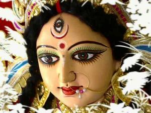 राशियों के मुताबिक करें दुर्गा सप्तशती का पाठ