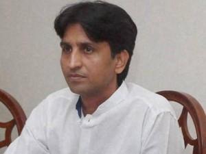 अमानतुल्लाह खान ने पार्टी से निकाले जाने के बाद कुमार विश्वास पर किया तंज, बोले-वो तो बड़े लीडर हैं