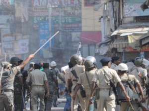झारखंड: रांची के गांव में सांप्रदायिक हिंसा, 8 पुलिसवालों समेत 12 से ज्यादा लोग घायल