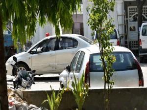 पश्चिम बंगाल सरकार ने निकाला लाल बत्ती पर बैन का तोड़, गाड़ी के बोनट पर दिखेगा झंडा