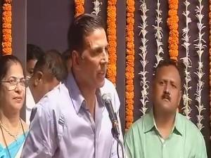 अक्षय कुमार की पहल से रोशन हुई शहीदों के घर की दीवाली,परिवारों को दिए 25 लाख
