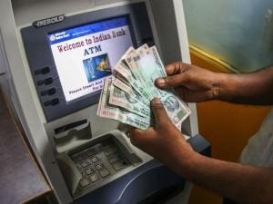 Secrets of ATM Machine: एटीएम में कैश के अलावा निपटाएं ये 7 काम...