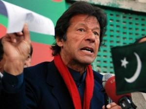 तहरीक-ए-इंसाफ के प्रमुख इमरान खान को पाकिस्तान चुनाव आयोग ने गिरफ्तारी के दिए आदेश