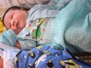 महिला ने दिया 7 किलो के बच्चे को जन्म, पति को नहीं हुआ यकीन