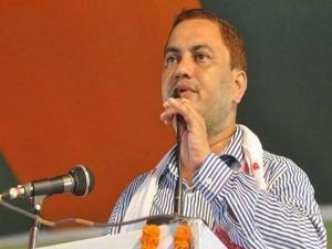 असम: भाजपा के सांसद ने गांधी और नेहरु की तुलना 'कूड़े' से की, कांग्रेस ने दर्ज कराई FIR