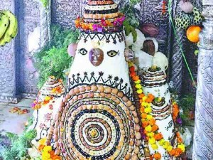 माघ माह में इस मंदिर का प्रसाद शरीर पर लगाने से मिलती है चर्म रोग, जोड़ों के दर्द से मुक्ति!
