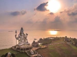 Surya Grahan 2018 : 2018 का पहला सूर्य ग्रहण आज, जानिए कैसे बचें इसके प्रभाव से...
