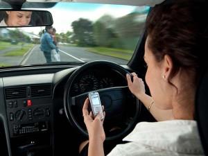 अब ड्राइविंग लाइसेंस और RC साथ रखने की जरूरत नहीं, सरकार जल्द ला रही है नया नियम