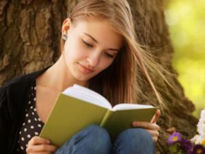 World Book and Copyright Day 2018: सुकून से चाहते हैं दोस्ती तो किताबों से कीजिए मोहब्बत