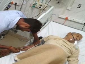 लखनऊ: लोहिया अस्पताल में मरीजों की जिंदगी को ऐसे मुश्किल में डाल रहे हैं वार्ड ब्वॉय