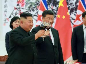 धीरे-धीरे करीब आ रहे हैं नॉर्थ कोरिया के किम जोंग उन और चीन के राष्ट्रपति शी जिनपिंग