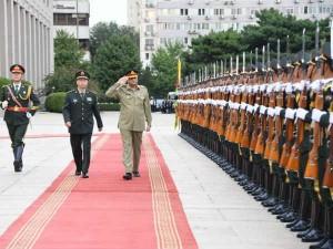 दुनिया भर में चीन की आलोचना के बीच ही पाकिस्तान आर्मी चीफ जनरल बाजवा पहुंचे बीजिंग
