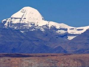 आज भी रहस्यमयी है कैलाश पर्वत, क्या अदृश्य शक्तियां रोकती हैं मार्ग