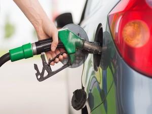 फिर बढ़े पेट्रोल-डीजल के दाम, मुंबई में 90 रुपए के पार