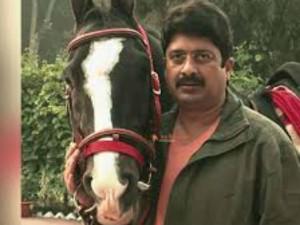 बाहुबली नेता राजा भैया का है दबंग अंदाज, घुड़सवारी के शौकीन रघुराज उड़ा चुके हैं हवाई जहाज