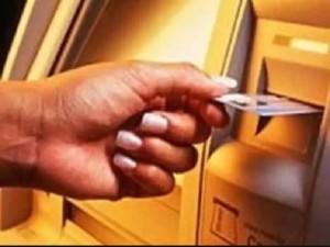 सावधान! ATM मशीन में हुआ बड़ा बदलाव, खराब हो सकता है आपका चिप वाला डेबिट कार्ड
