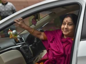 सुषमा स्वराज: जानिए कैसे संकट में पड़े भारतीयों के लिए विदेश मंत्री बनीं 'संकटमोचक'