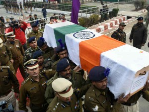 पुलवामा में देश के लिए जान देने वाले जवानों को जानिए क्यों नहीं मिल पाएगा शहीद का दर्जा?