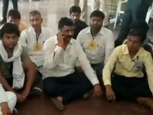 चुनाव परिणाम 2019: राजस्थान में कांग्रेस के इस प्रत्याशी ने दिया धरना, बोले-'EVM में हुई गड़बड़ी'