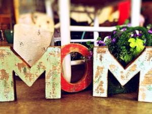 Mother's Day पर भेजिए मां को ये दिल छू लेने वाले संदेश