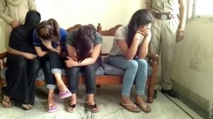 दिल्ली से देहरादून के होटलों में लग्जरी कारों से भेजते थे लड़कियां, उत्तराखंड पुलिस ने किया रैकेट का भंडाफोड़