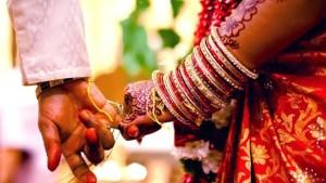 वैवाहिक जीवन की बाधाएं दूर करते हैं कार्तिक माह के उपाय