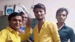गुजरात: 4 युवकों ने थाने के अंदर बनाया टिकटॉक वीडियो, वीडियो वायरल