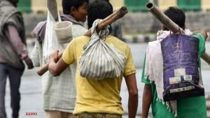 प्रवासी मजदूरों पर सुप्रीम कोर्ट ने लिया स्वत: संज्ञान, सरकार को नोटिस भेज मांगा जवाब