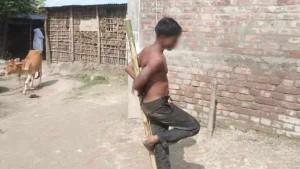 बिहारः आधी रात को कमरे में बेटी के चीखने पर पहुंची मां तो देखा कि युवक कर रहा है रेप फिर...