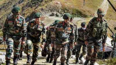 आर्मी कमांडर के बीच मतभेद, सुलझाने के लिए सेना प्रमुख ने लिया बड़ा फैसला |  Indian Army Chief deputes senior officer to look into differences of  opinion in South Western Command - Hindi Oneindia