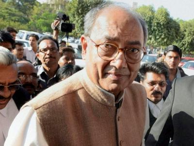 दिग्विजय ने PM मोदी को लिखी चिट्ठी, मांगी मनरेगा की मजदूरी