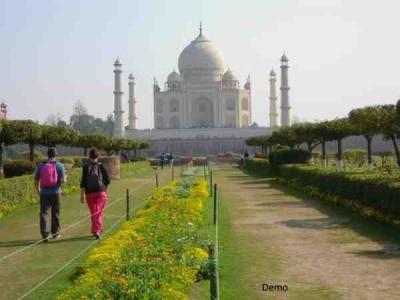 ताजमहल का दीदार अब पड़ेगा बहुत महंगा, एंट्री फीस में बढ़ोतरी के साथ कई बदलाव