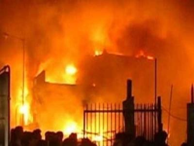 दिल्ली: बवाना में फैक्ट्रियों में लगी भीषण आग, 17 लोगों की झुलस कर मौत