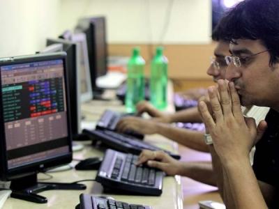 धड़ाम से गिरा शेयर बाजार, सेंसेक्स 200 अंक लुढ़का