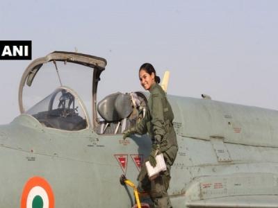 अवनी चतुर्वेदी ने फाइटर प्लेन MiG-21 को अकेले उड़ाकर रचा इति