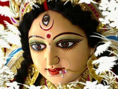 नवरात्रि के नौ दिन कन्याओं को दें उपहार, पूरी होगी हर कामना