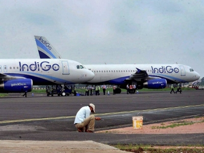 DGCA ने गो एयर और इंडिगो के विमान के खिलाफ की बड़ी कार्रवाई