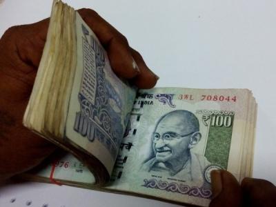 गुजरात के मंत्री,MLA की सैलरी में हुई 45000 रुपए की बढ़ोतरी