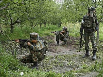 जम्मू कश्मीर: अनंतनाग में सुरक्षाबलों ने घेरा आतंकियों को