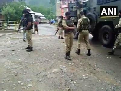 जम्मू कश्मीर: CRPF पार्टी पर अटैक, 2 जवान घायल