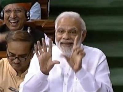 पीएम मोदी ने राहुल गांधी की झप्पी का उड़ाया मजाक