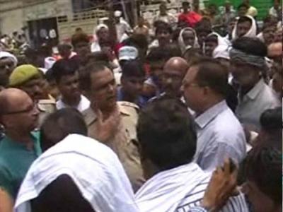 सचिव पर तानाशाही का आरोप लगाकर व्यापारियों ने किया हंगामा