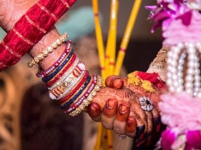 मुस्लिम दंपत्ति ने गोद ली हुई हिंदू बेटी की कराई शादी