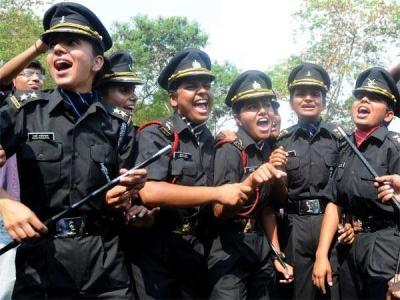 सेना में शामिल महिलाओं को पीएम मोदी का लालकिले से बड़ा तोहफा